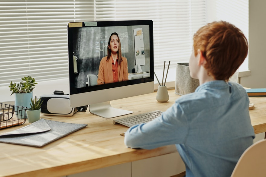 Ultimate Guide to Distance Learning for K-12 Students