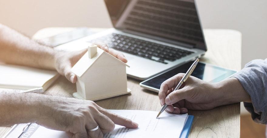 Mandat de vente : simple ou exclusif, définition, contenu, durée, avantages