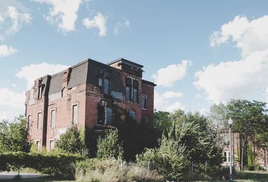 Maison abandonnée : droit, acquisition, prix