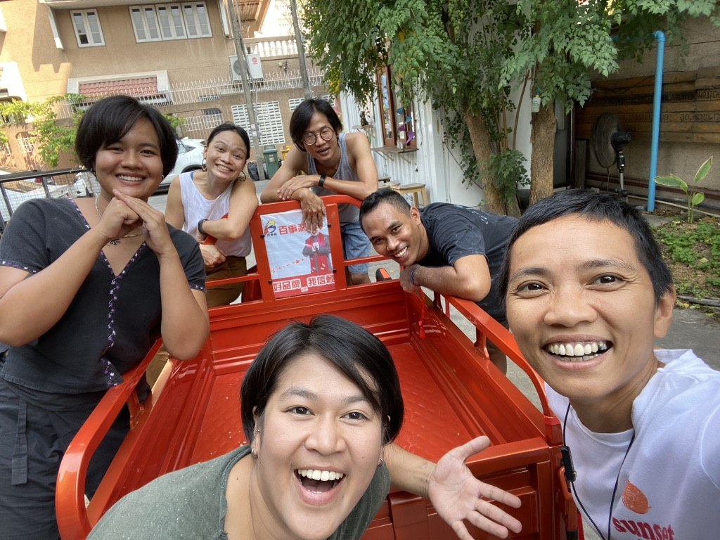 The Yard red truck grocery Ari Bangkok