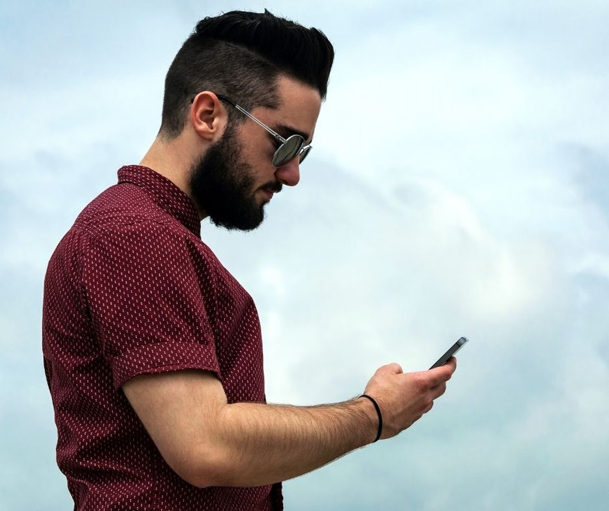 5 Amazing Benefits of a Text Messaging Platform for a Mobile Workforce