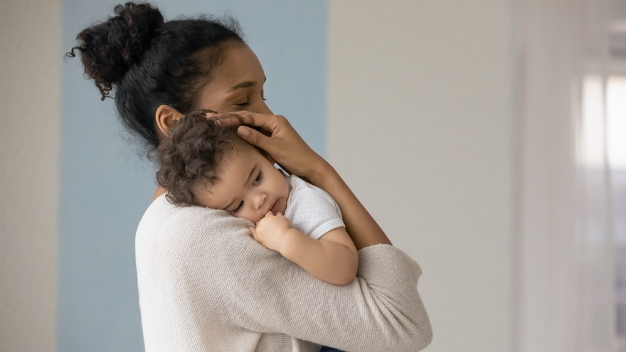 How to Deal with Postpartum Depression: A Guide
