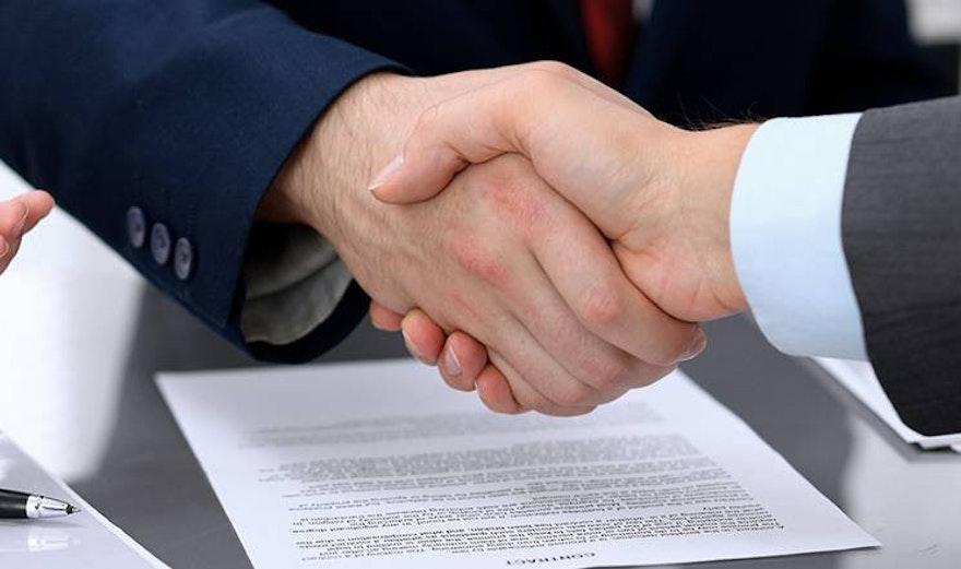 El contrato de compraventa: Evita problemas en la transferencia de un vehículo