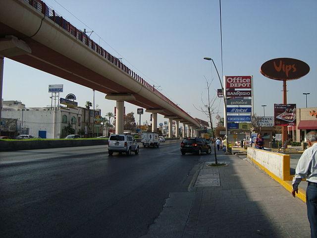 640px-Avenida_Universidad_-_San_Nicolás_de_los_Garza.jpeg